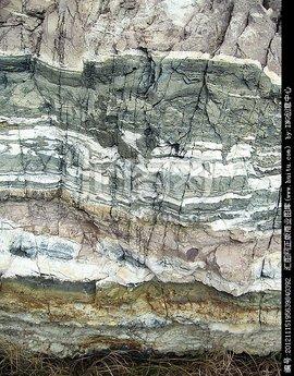 岩石层是近地球表面刚度较大的固体层