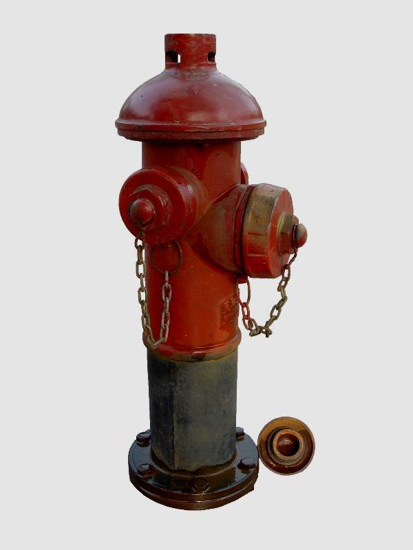 1.室内消防栓 室内消火栓是室内管网向火场供水的,带有阀门的接口、为工厂、仓库、高层建筑、公共建筑及船舶等室内固定消防设施,通常安装在消火栓箱内,与消防水带和水枪等器材配套使用。减压型消防栓为其中一种。 2.室外消火栓 室外消火栓是设置在建筑物外面消防给水管网上的供水设施,主要供消防车从市政给水管网或室外消防给水管网取水实施灭火,也可以直接连接水带、水枪出水灭火。所以,室外消火栓系统也是扑救火灾的重要消防设施之一。 3.