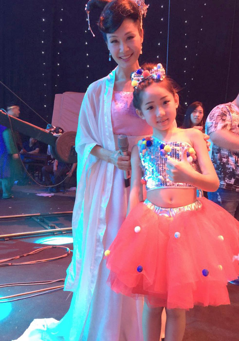 香港国际星童星王嘉榕央视暑期《七天乐》挑战创意舞蹈平衡车