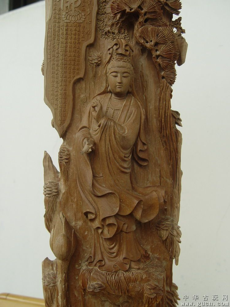 檀香木雕刻出来的工艺品更可谓珍贵无比