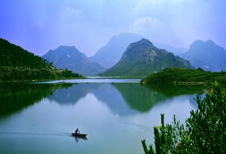 马鬵山风景区,位于莒南县城北10公里,景区面积50平方公里,山峰海拔