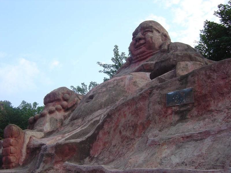 紫蓬山风景区位于合肥市西南,现辖8个村,三个社居委,人口达1.